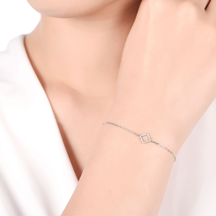 Diamond Shape Fine Bracelet