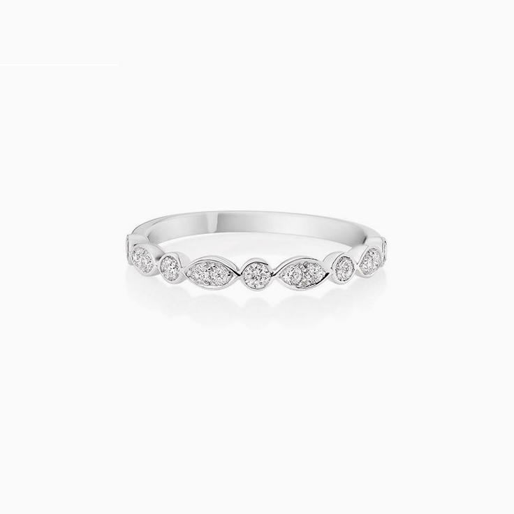 Round diamond petite Wedding Ring