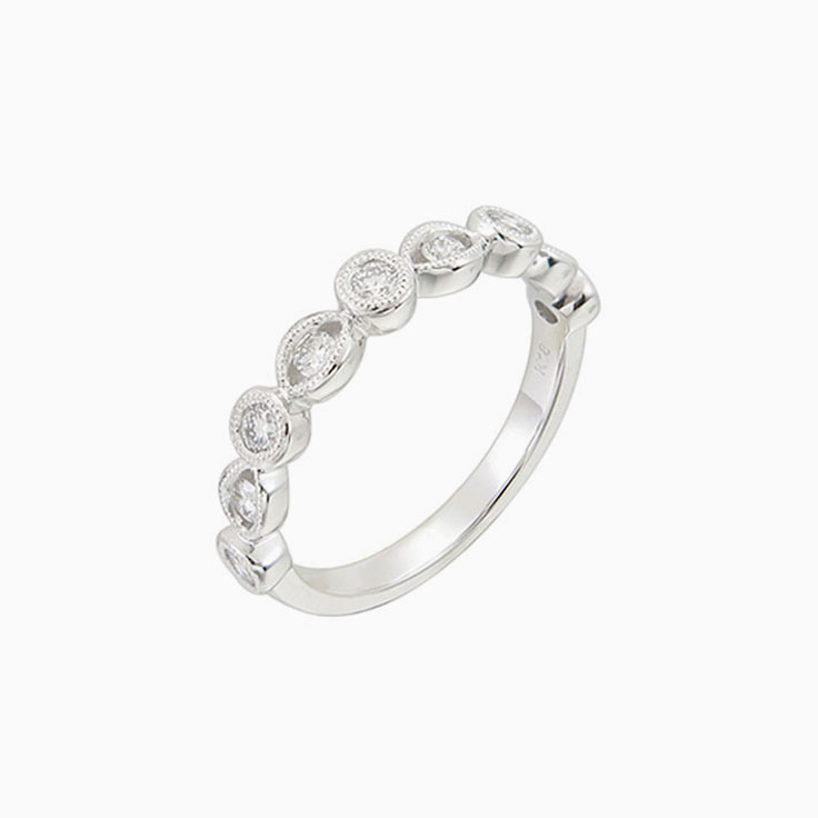 Round Diamond in multi shape ring