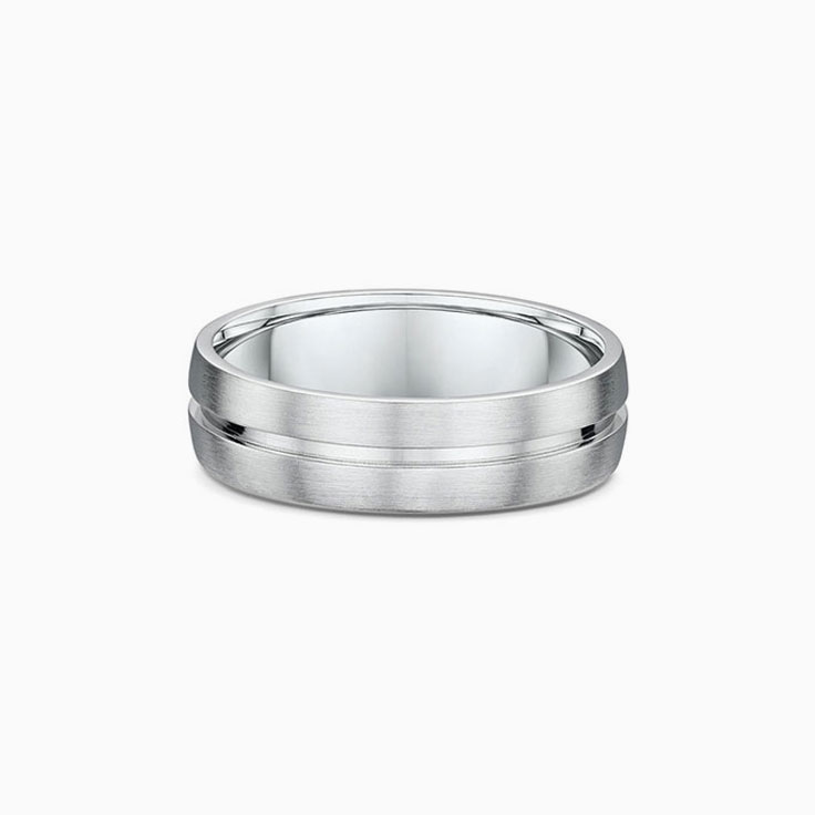 Centre Grooved Mens Wedding Ring