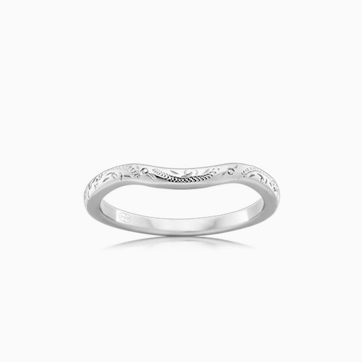 Carved Ladies wedding ring J4116